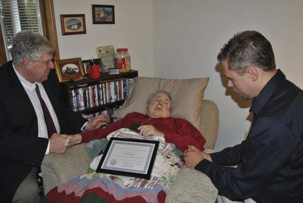 Abrams receives Masonic 70-year membership award