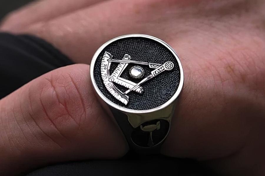 Past Master Ring